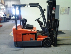 Toyota 7FBEU20 Pneumatic Tire Counter Balanced Forklift