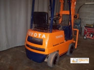 Toyota 2FG9 Pneumatic Tire Counter Balanced Forklift